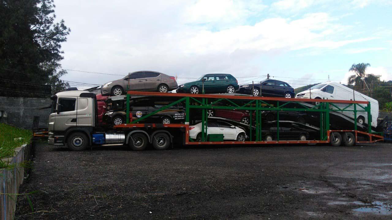 Carreta para transporte de veículos