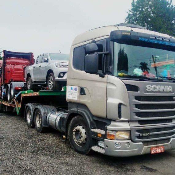 Transportadora de veículos pesados